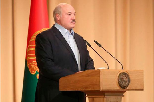 Lukashenko suggests amending Belarusian Constitution at referendum