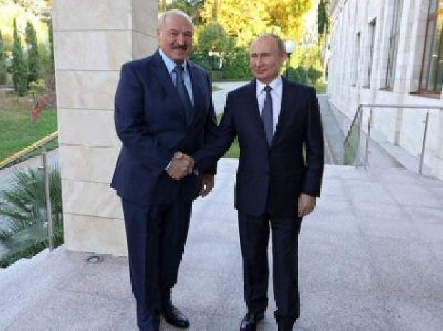 Putin congratulates Lukashenko on winning presidential elections in Belarus