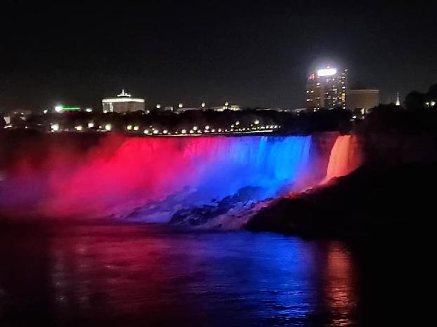 Niagara Falls light up in colors of Armenian flag