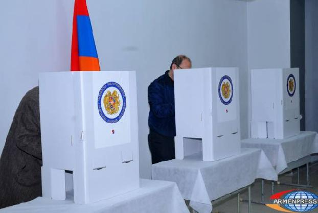 Survey: 45.7% of respondents see need for snap parliamentary elections in Armenia