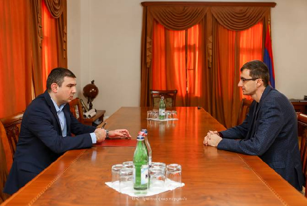 Artsakh state minister discusses post-war social problems with Armenia's minister of labor